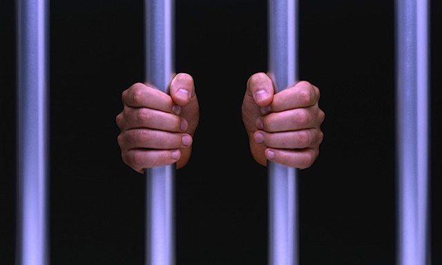 Omesse ritenute, annullata condanna se il datore si è attivato per proseguire l'attività